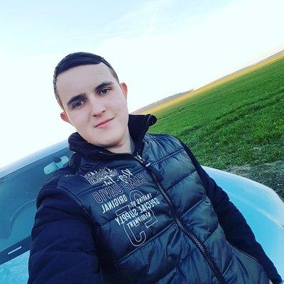 Profilbild von Julien98