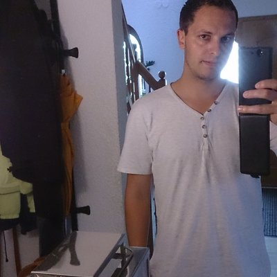 Profilbild von Raphy90